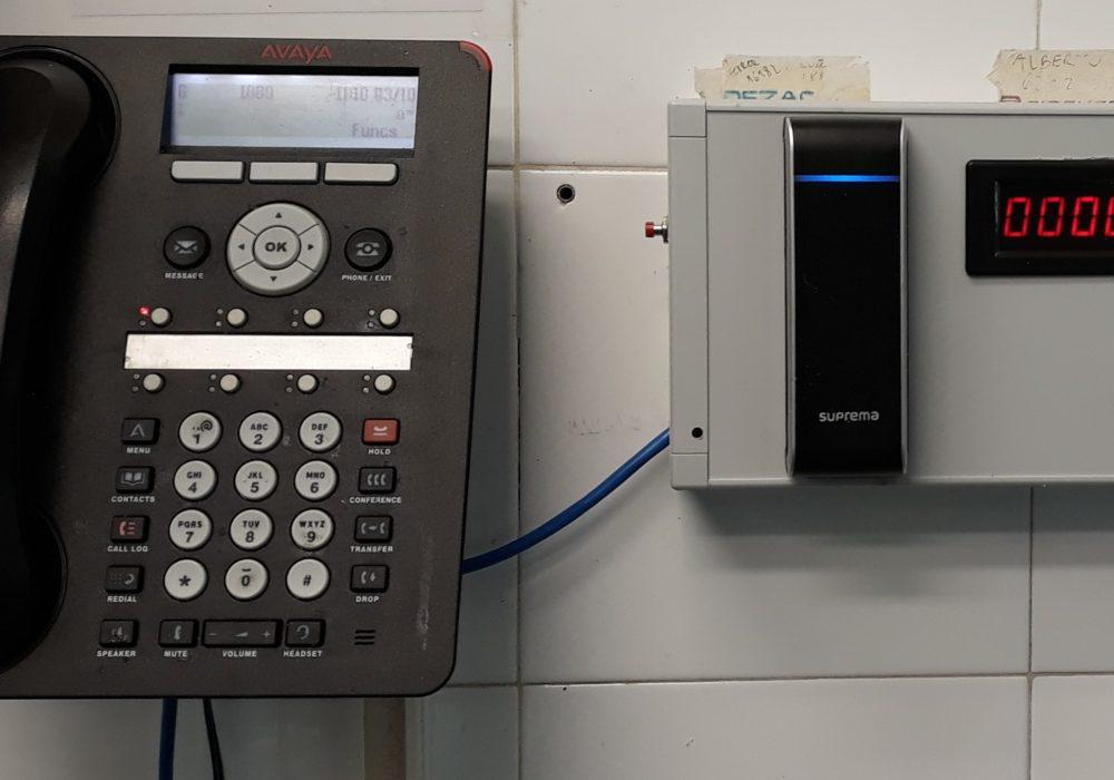 Sistema leitor RFID e BioStar 2